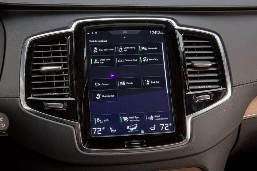 """Điểm danh những hệ thống an toàn """"khủng"""" trên xe Volvo XC90"""