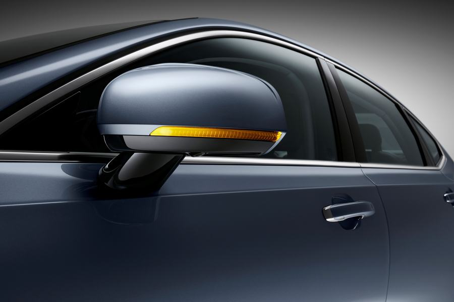 Hình 04 - ngoại thất xe Volvo S90