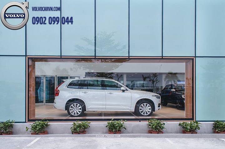 Hình 04 - Showroom Volvo Phú Mỹ Hưng