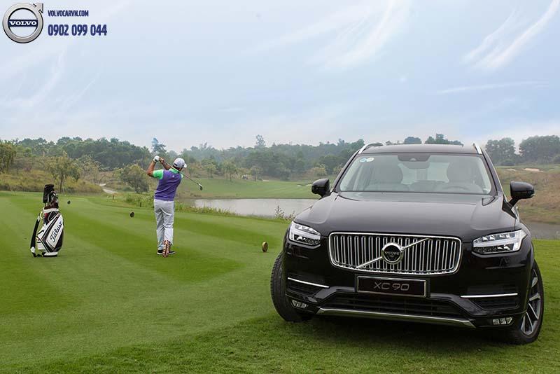 Hình 01 - Người bạn đồng hành của golf thủ