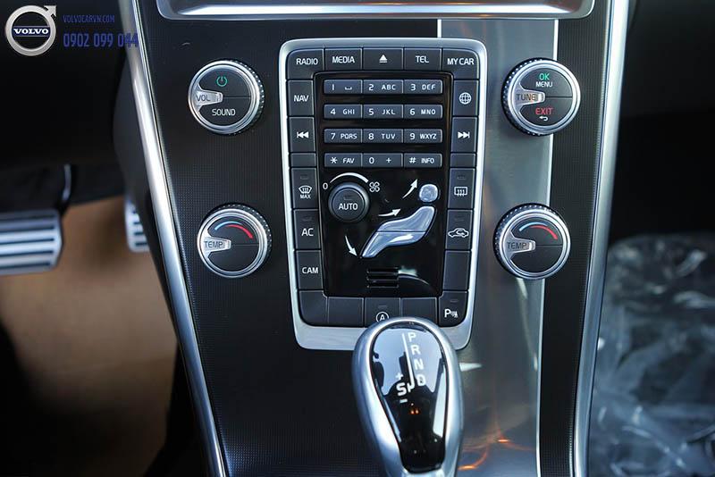 Hình 04 : Volvo XC60 - SUV bán chạy nhất châu âu