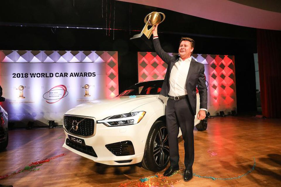 "Hình 01 Volvo XC60 giành giải ""world car of the year"""