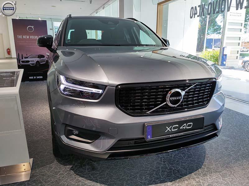 Hình 01 - Volvo XC40 nhỏ mà có võ