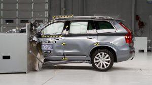 Volvo lọt TOP xe an toàn nhất năm 2021